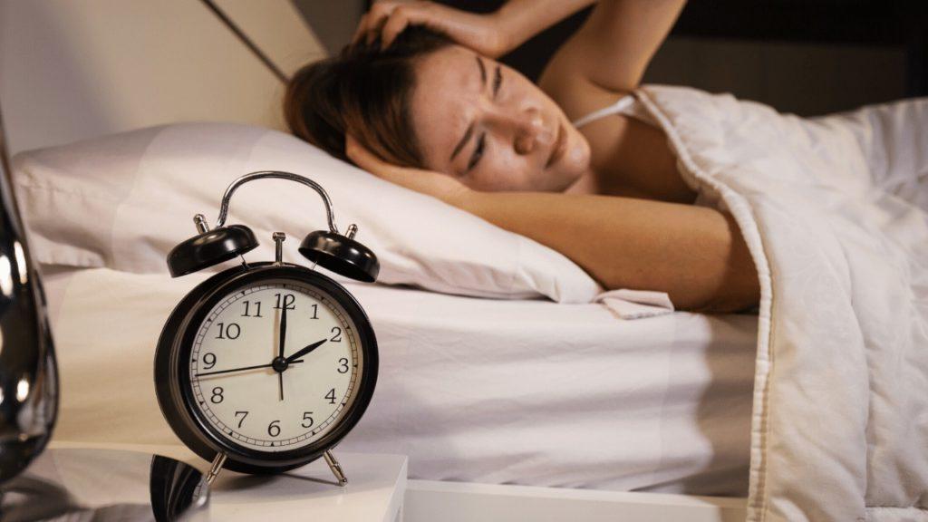 Schlafstörungen: 5 Tipps was du bei Schlafproblemen tun kannst - Lebensfreude-Academy