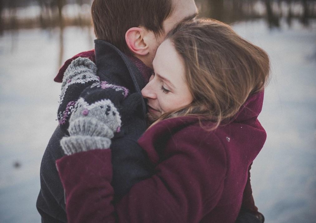 Jeden Tag wie frisch verliebt - Umarmung